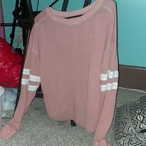 Cropped baseball long sleeved t-shirt